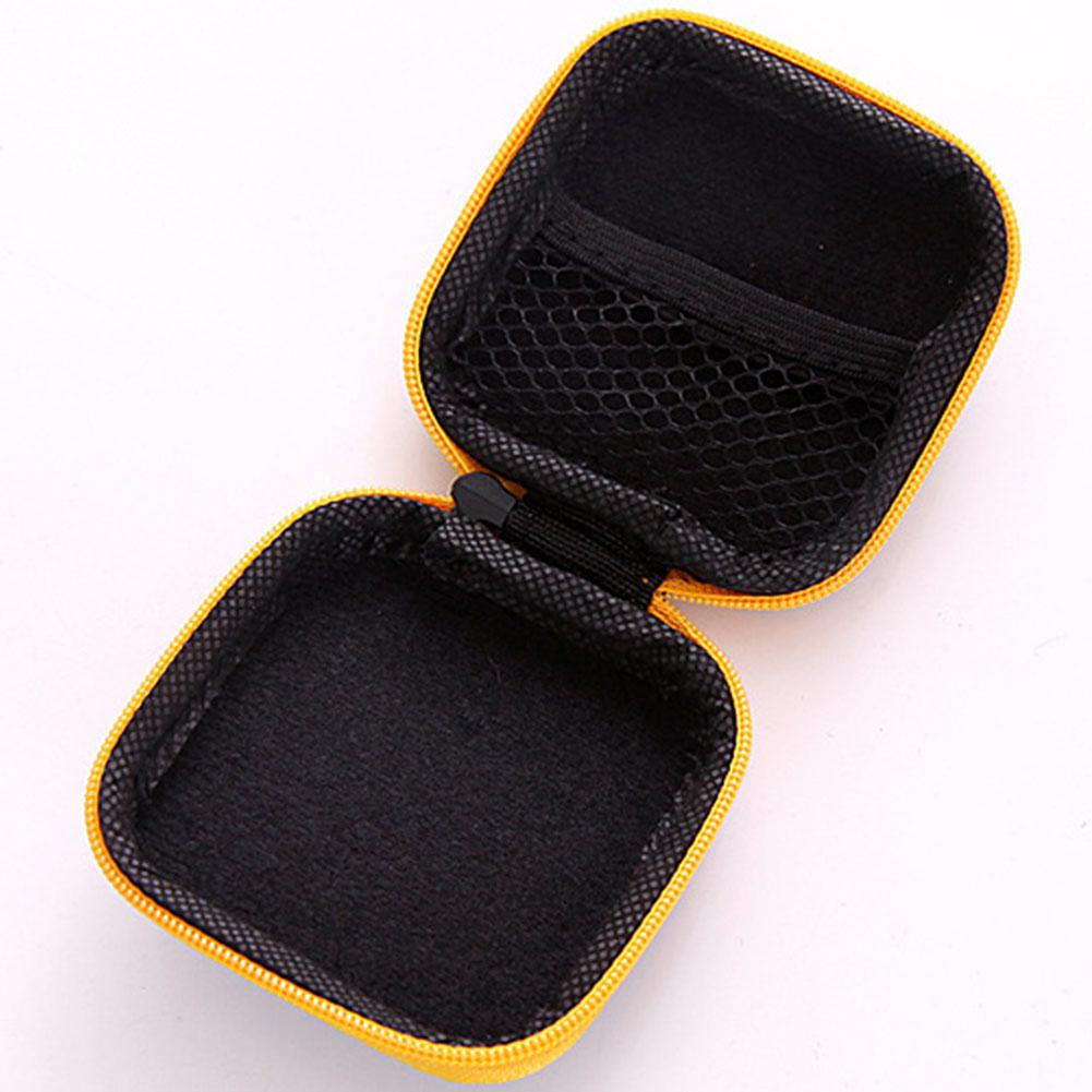 1x Earphone Storage Case. NO Retail Box. Packed Safely in Bubble Bag.